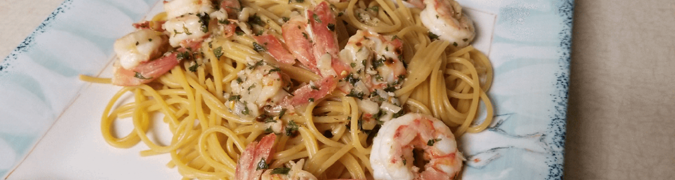 shrimp and pasta on plate
