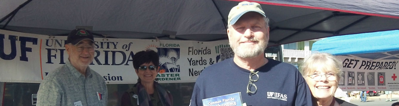 Master Gardeners share UF resaserched based horticulture during Cedar Key Seafood Festival.